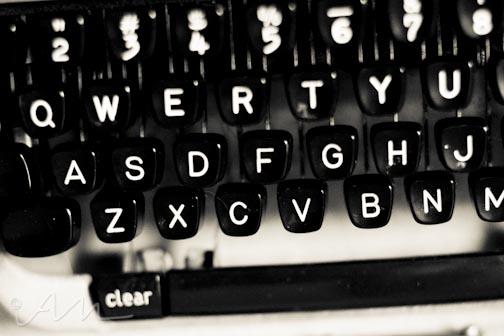 oldschooltypewriter-4